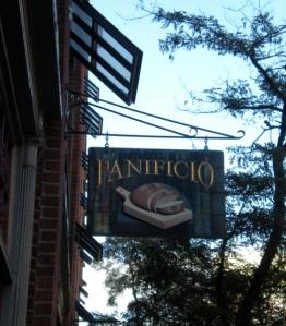 Una caffetteria di Beacon Hill. Anzi, un 'Panificio'!